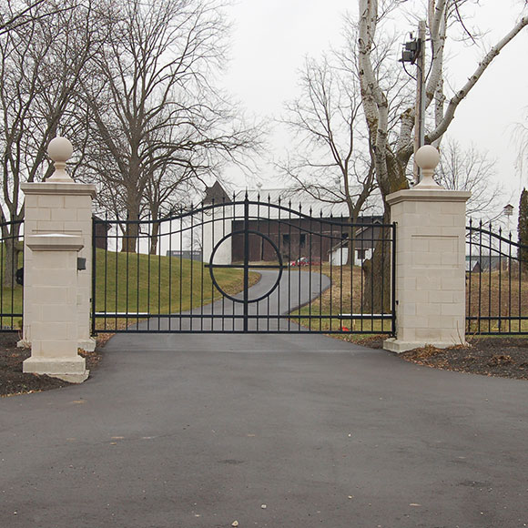 Kellyknack Swing Gate in Masonry Columns