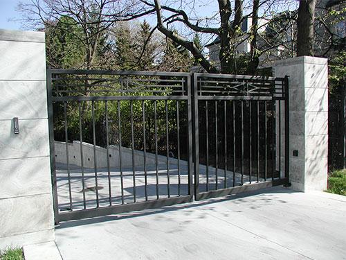 warren road swing gate