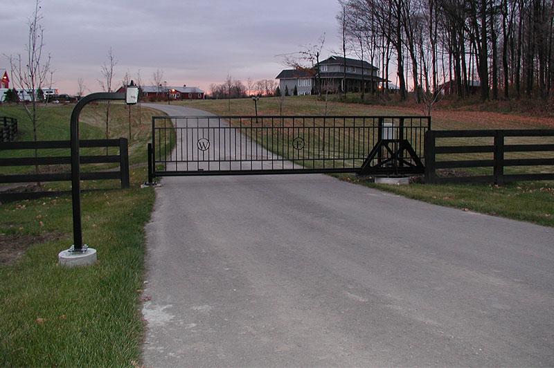 Slide gate for estate farm total
